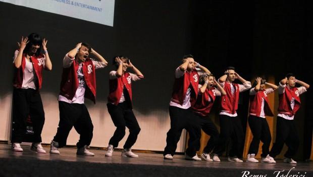 Dansatorii trupei de dans JackpotDansatorii trupei de dans Jackpot de la OneBeat Bucuresti