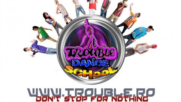 Bannerul cursurilor de dans organizate de Trouble Dance Studio